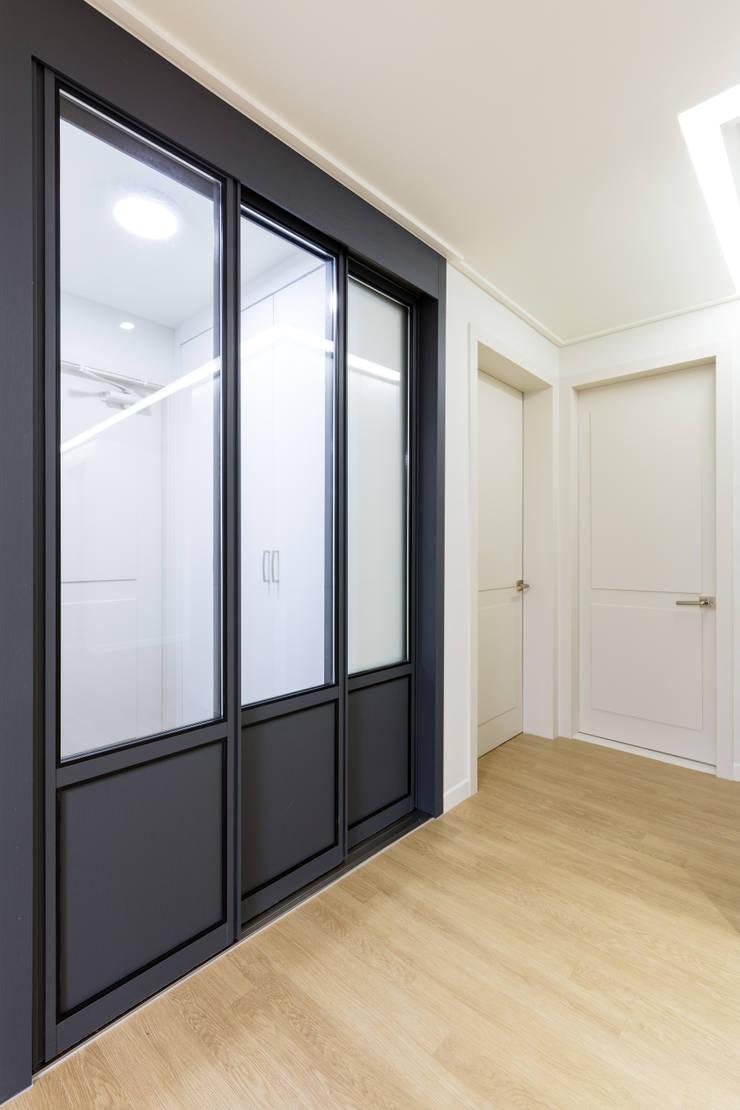 대림 아파트 : 한디자인 / HAN DESIGN의  창문