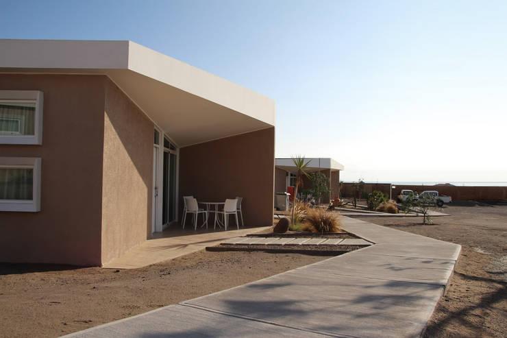 Cabañas Noctiluca: Casas de estilo  por Constructora CONOR Ltda - Arquitectura / Construcción
