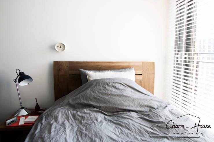 이스트팰리스 55평: CHARM_HOUSE의  침실