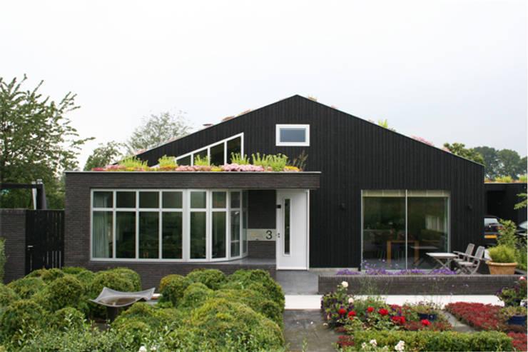 huis in brabant:  Tuin door ps architecten bna