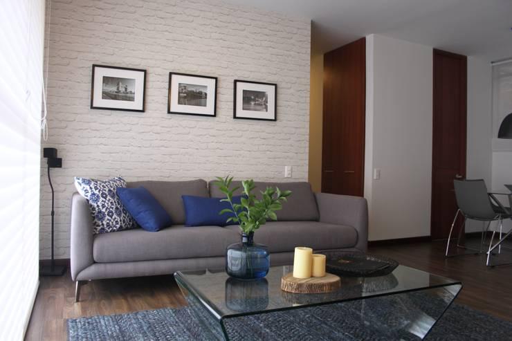 Sala: Comedor de estilo  por Home Reface - Diseño Interior CDMX