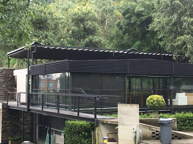 Casa los Dínamos: Casas de estilo moderno por Materia Viva S.A. de C.V.
