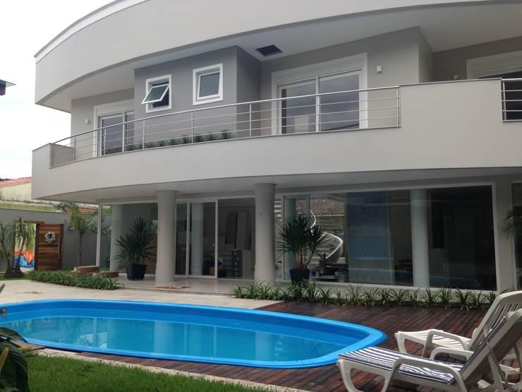 Moderne Häuser von Atelier de Arquitetura Arquitetas Bianca e Bárbara Lehmkuhl Modern