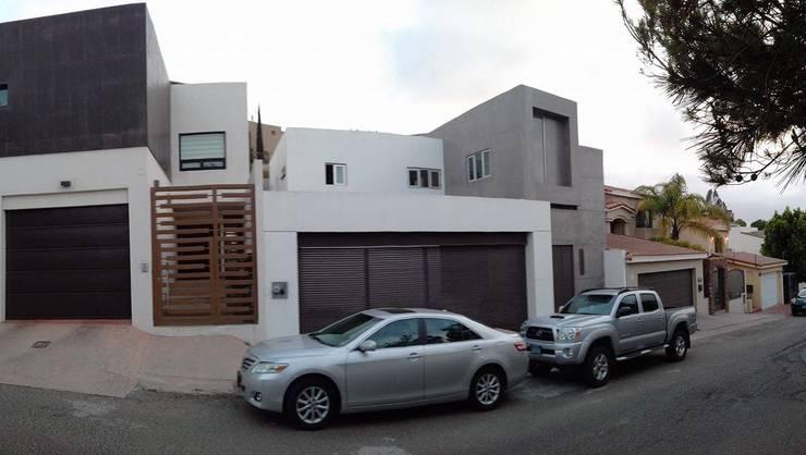 Vivienda AG: Casas de estilo moderno por ALUR Arquitectos