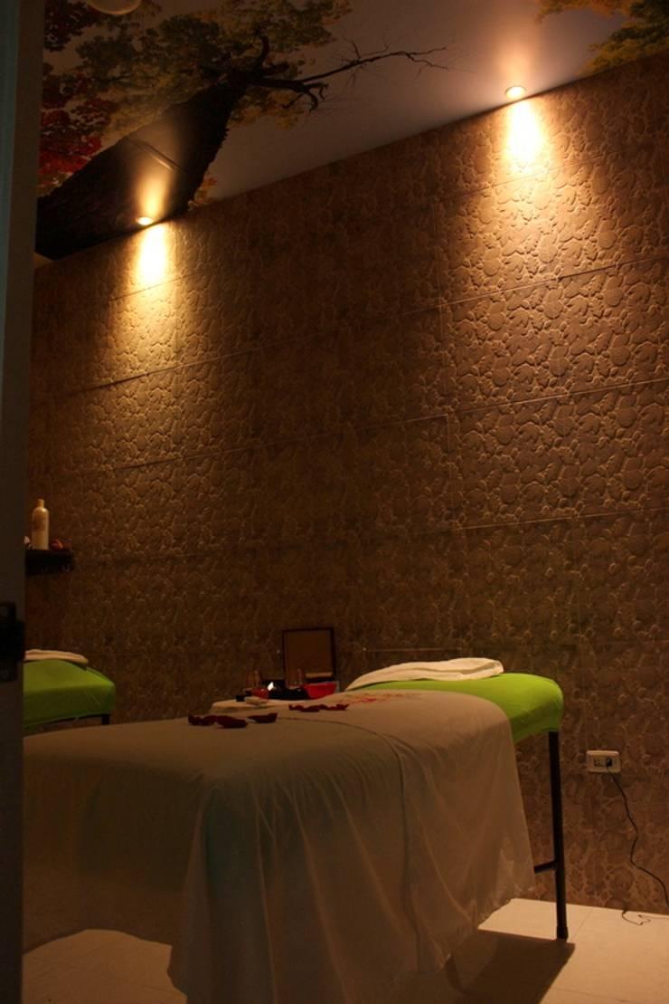 Sala de relajación : Clínicas de estilo  por Lina Rosas Diseño Interior