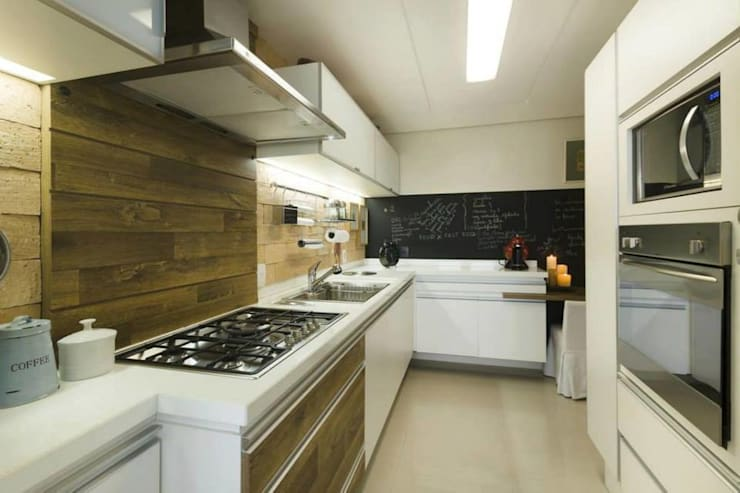 Cocinas de estilo rústico por Daniela Tolotti Arquitetura e Design