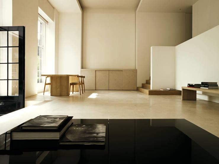 Living Room:  Woonkamer door Jen Alkema architect, Minimalistisch