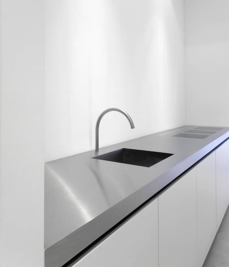 Kitchen:  Keuken door Jen Alkema architect, Minimalistisch