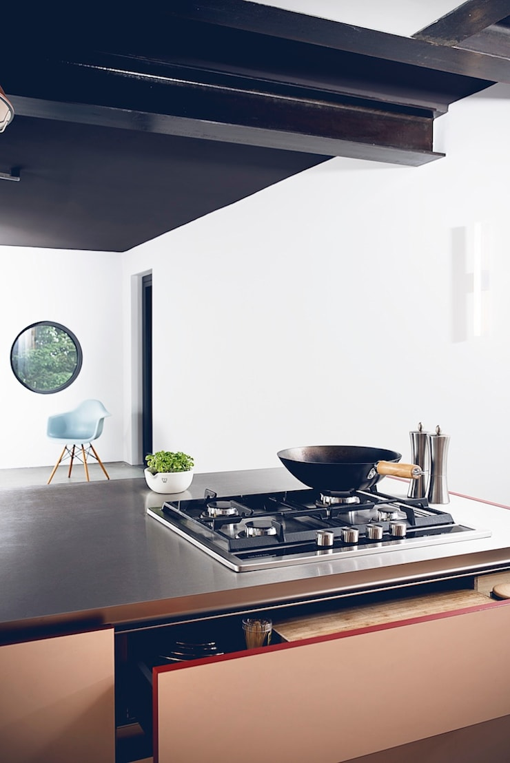 Cocinas de estilo  por hysenbergh GmbH   Raumkonzepte Duesseldorf, Moderno