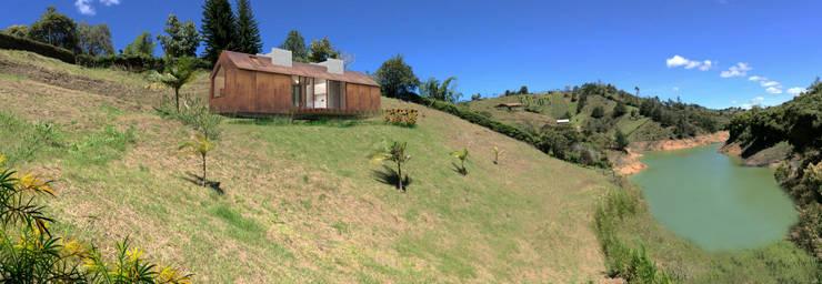 Prototipo Extend _ Viviendas Refugio 27-47-67 Casas modernas de @tresarquitectos Moderno