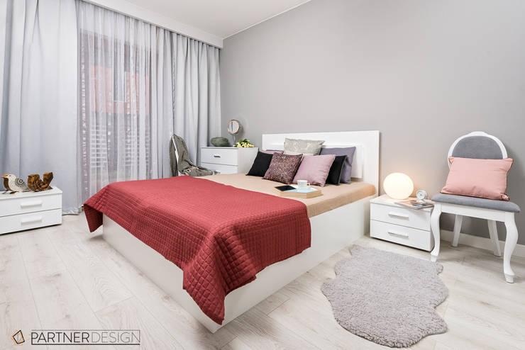 Mieszkanie #2: styl , w kategorii Sypialnia zaprojektowany przez Partner Design