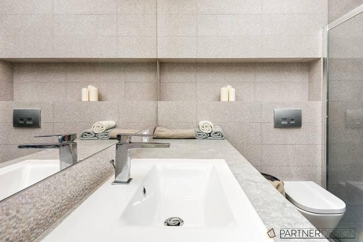 Mieszkanie #2: styl , w kategorii Łazienka zaprojektowany przez Partner Design