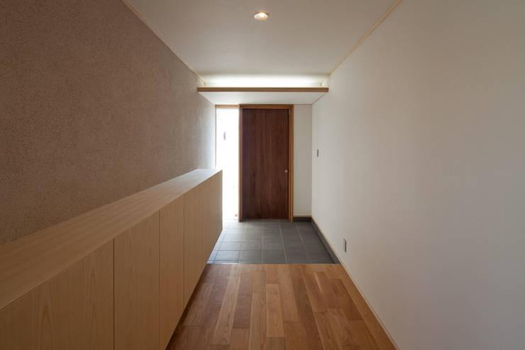 Corridor & hallway by アトリエ・アースワーク,