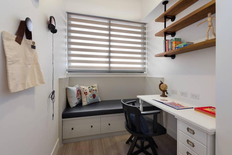 Estudios y oficinas de estilo  por 倍果設計有限公司