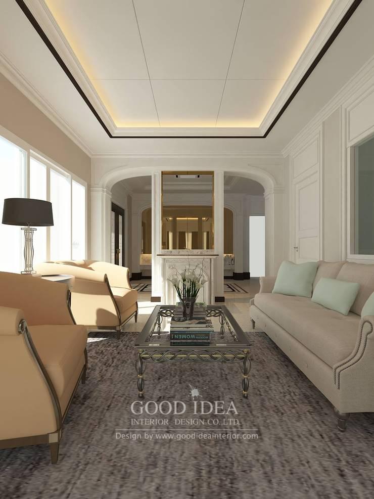 เป็นบ้าน 2 หลัง ทุบรวมกันเป็นหลังเดียว:   by GOOD IDEA INTERIOR CO.,LTD.