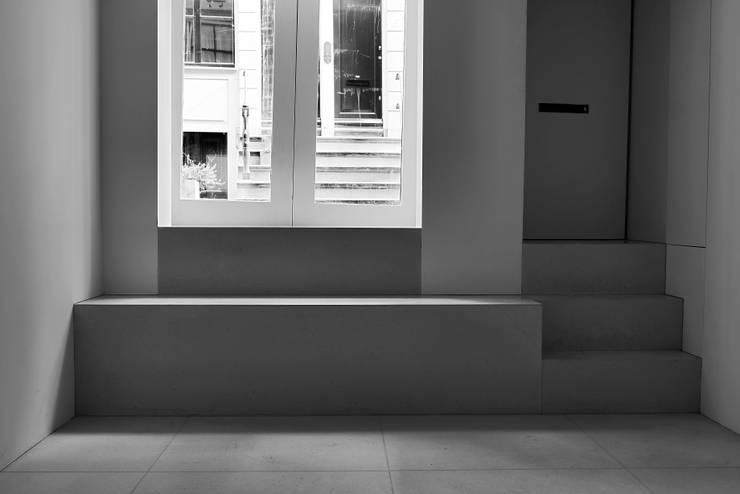 Entrance:  Gang, hal & trappenhuis door Jen Alkema architect
