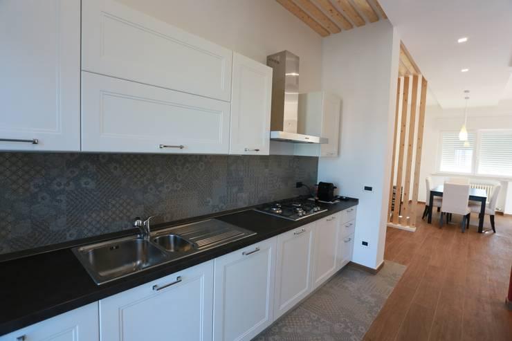 Cocinas de estilo  por progettAREA interni & design