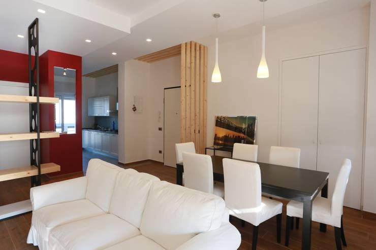 Comedores de estilo  por progettAREA interni & design