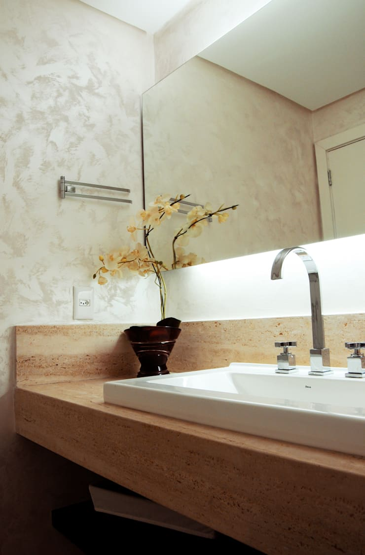 Badezimmer von daniela kuhn arquitetura