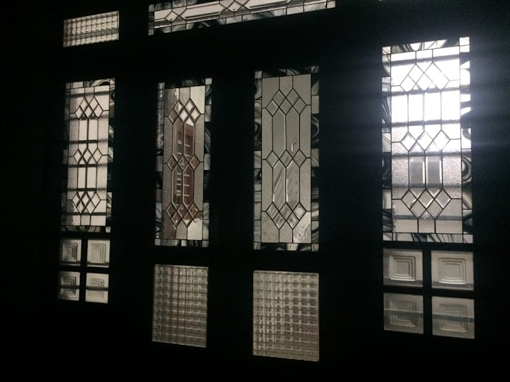 Main door Mediterranean style houses by Glasstec Mediterranean Glass