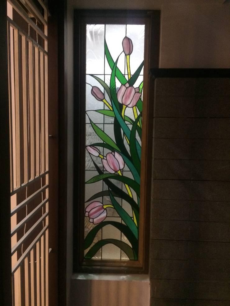Partition Mediterranean style windows & doors by Glasstec Mediterranean Glass