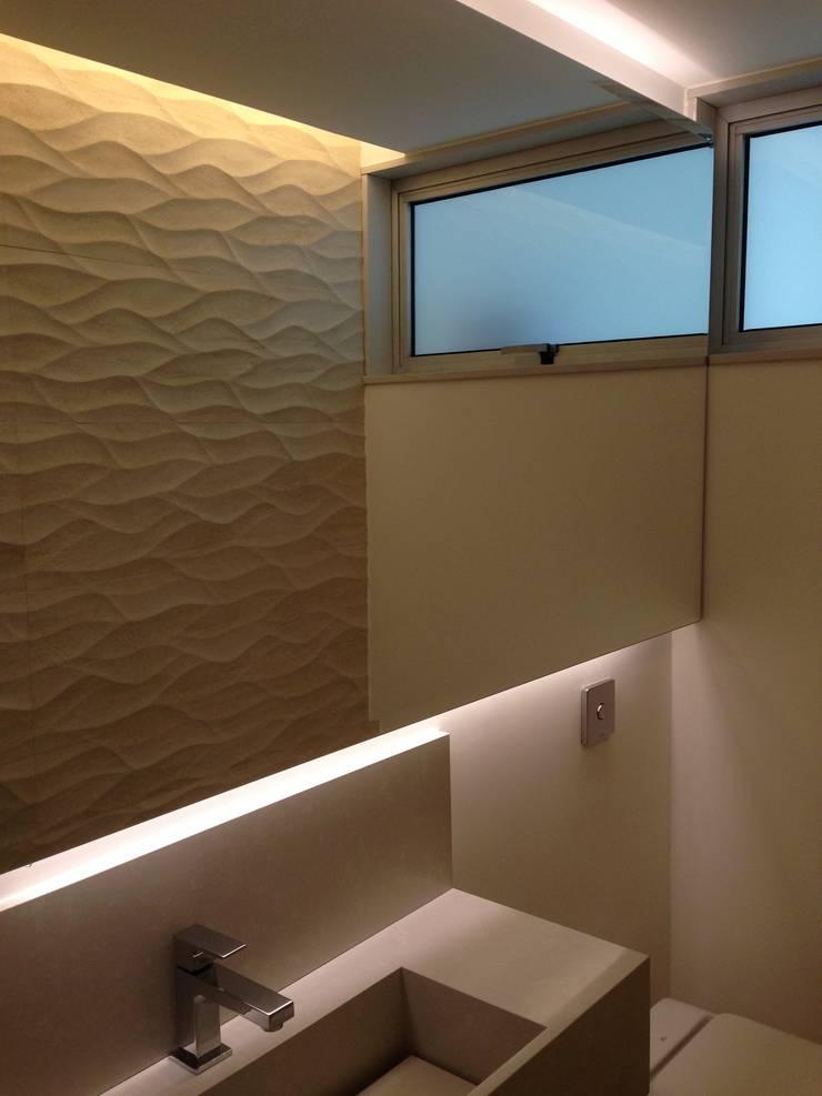 Salle de bains de style  par daniela kuhn arquitetura, Minimaliste