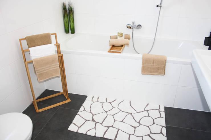Bad:  Badezimmer von Home Staging by Sabrina Schulz