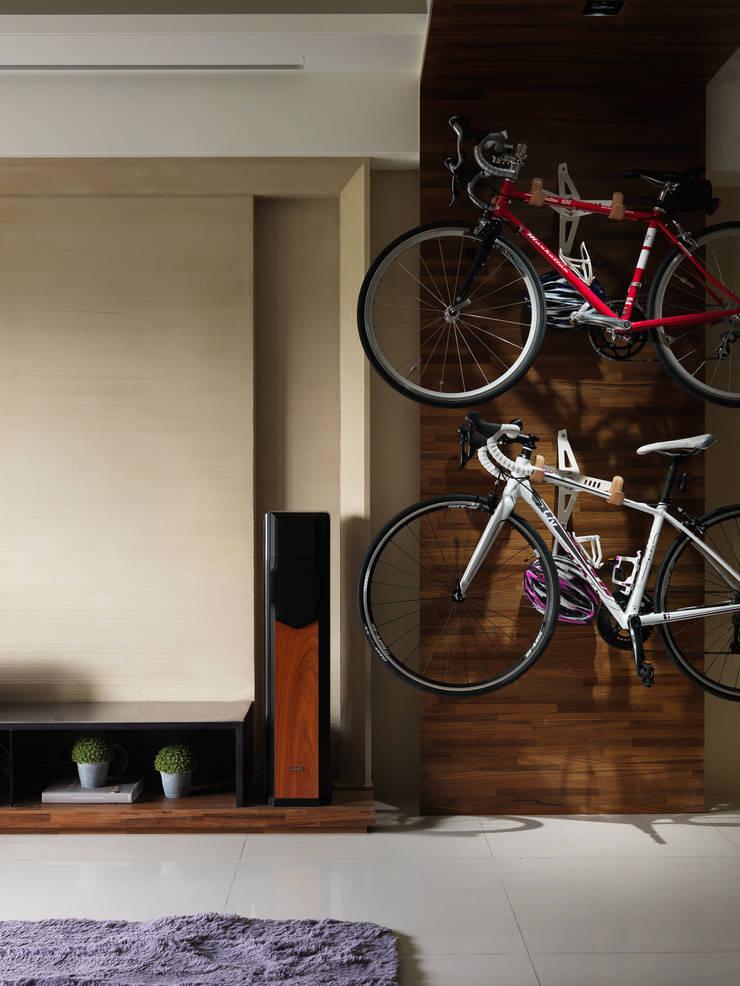 Murs & Sols modernes par 星葉室內裝修有限公司 Moderne