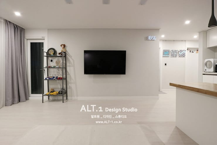 인천 만수동 만수주공아파트 4단지 아파트 인테리어: 알트원디자인스튜디오의  거실