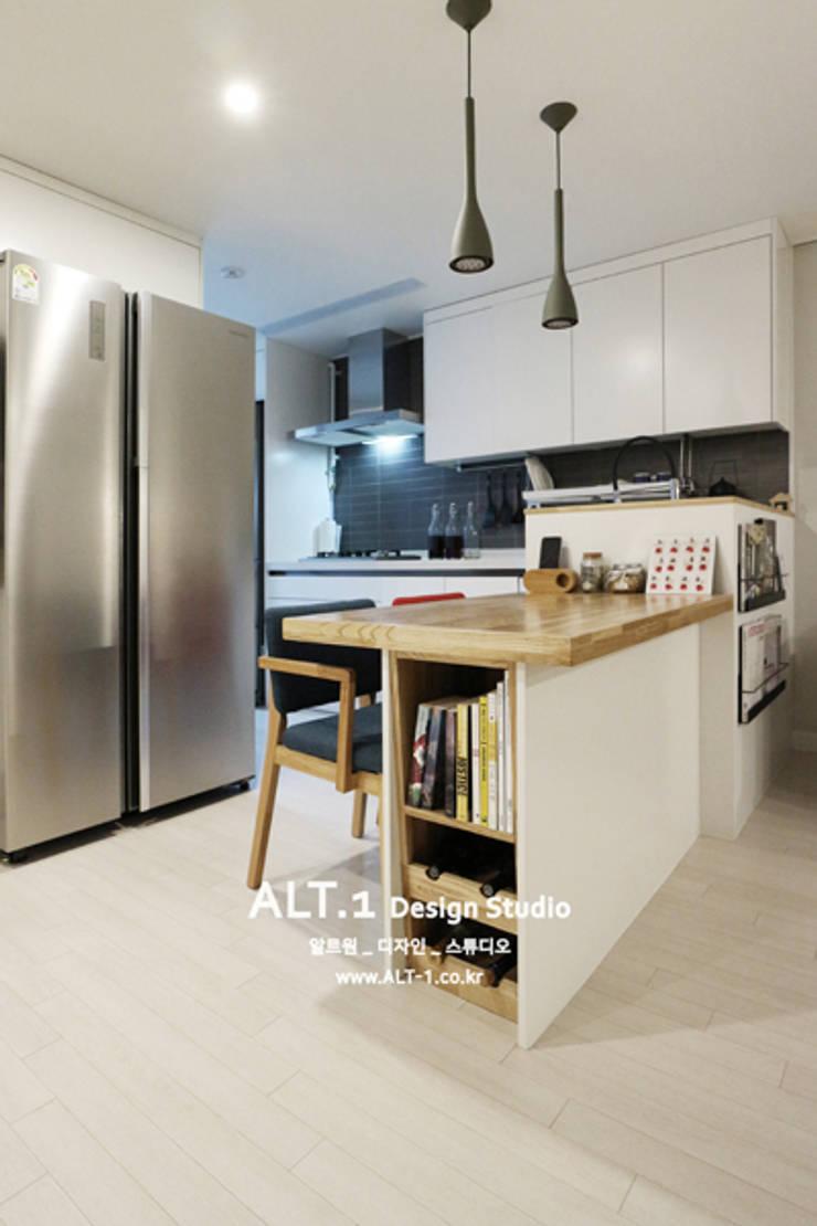 인천 만수동 만수주공아파트 4단지 아파트 인테리어: 알트원디자인스튜디오의  다이닝 룸,
