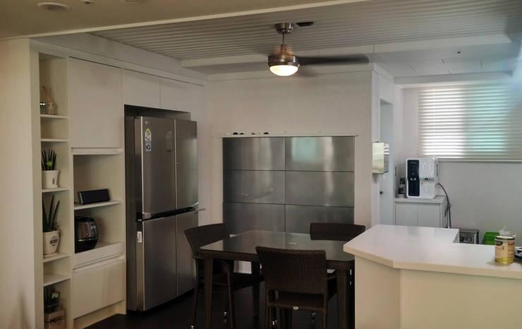 모던빈티지 세영 리셀 2차 아파트 34평형: 주식회사 큰깃의  다이닝 룸