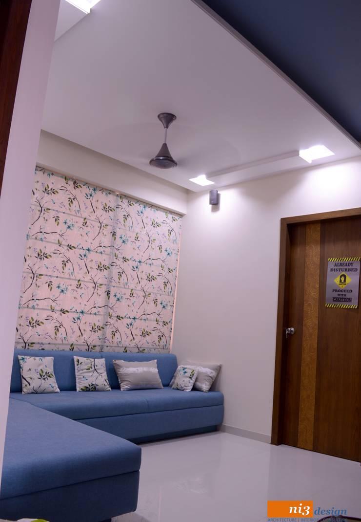 lounge area:  Corridor, hallway & stairs  by ni3design