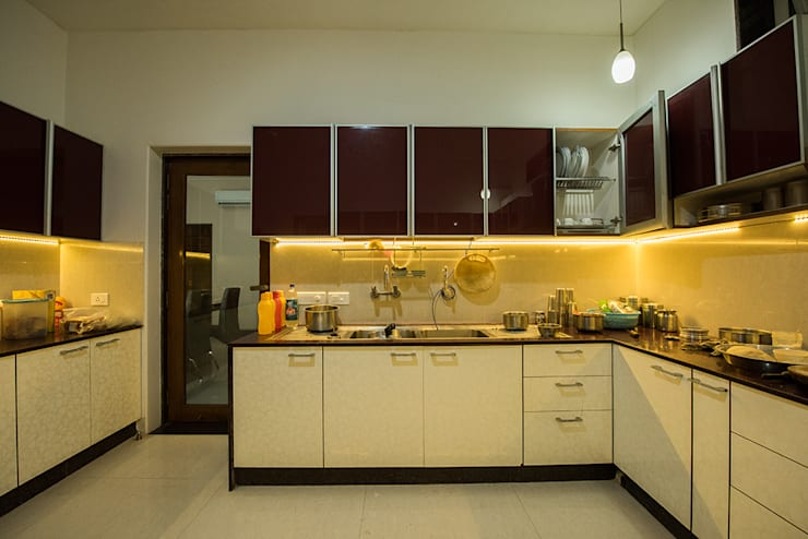 Sanchetna: modern Kitchen by Ankit Goenka