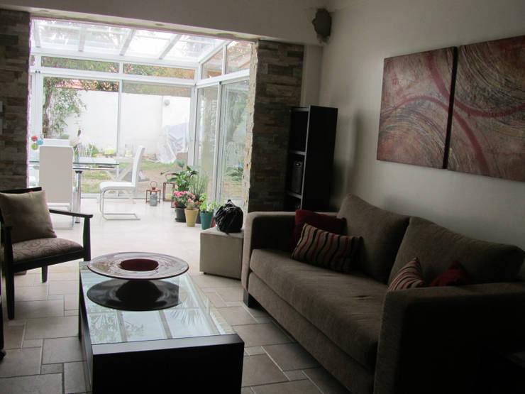 Ruang Keluarga by Arquitecta MORIELLO