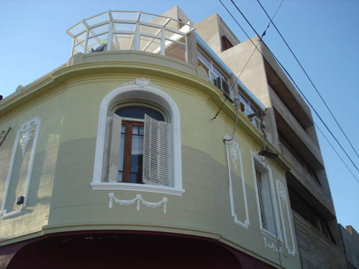 REMODELACION Y AMPLIACION PH EN PALERMO - BUENOS AIRES: Casas de estilo  por Arquitecta MORIELLO,