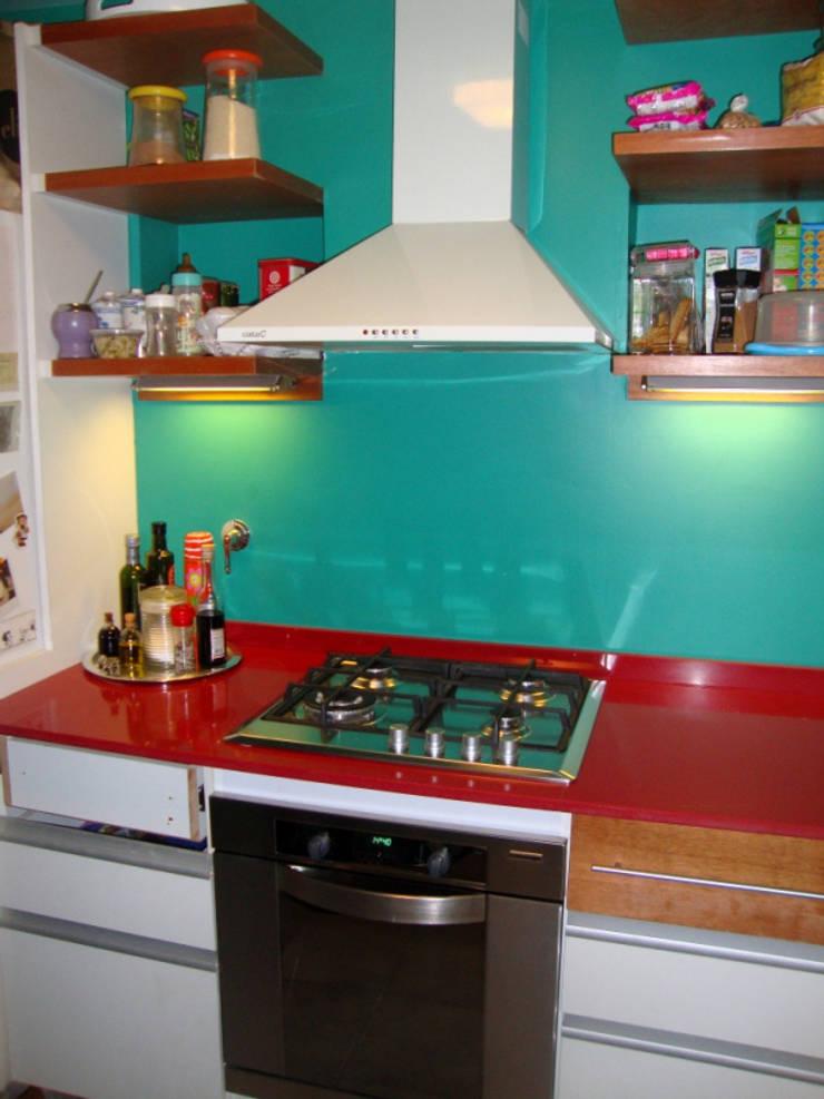 REMODELACION Y AMPLIACION PH EN PALERMO – BUENOS AIRES: Cocinas de estilo  por Arquitecta MORIELLO,