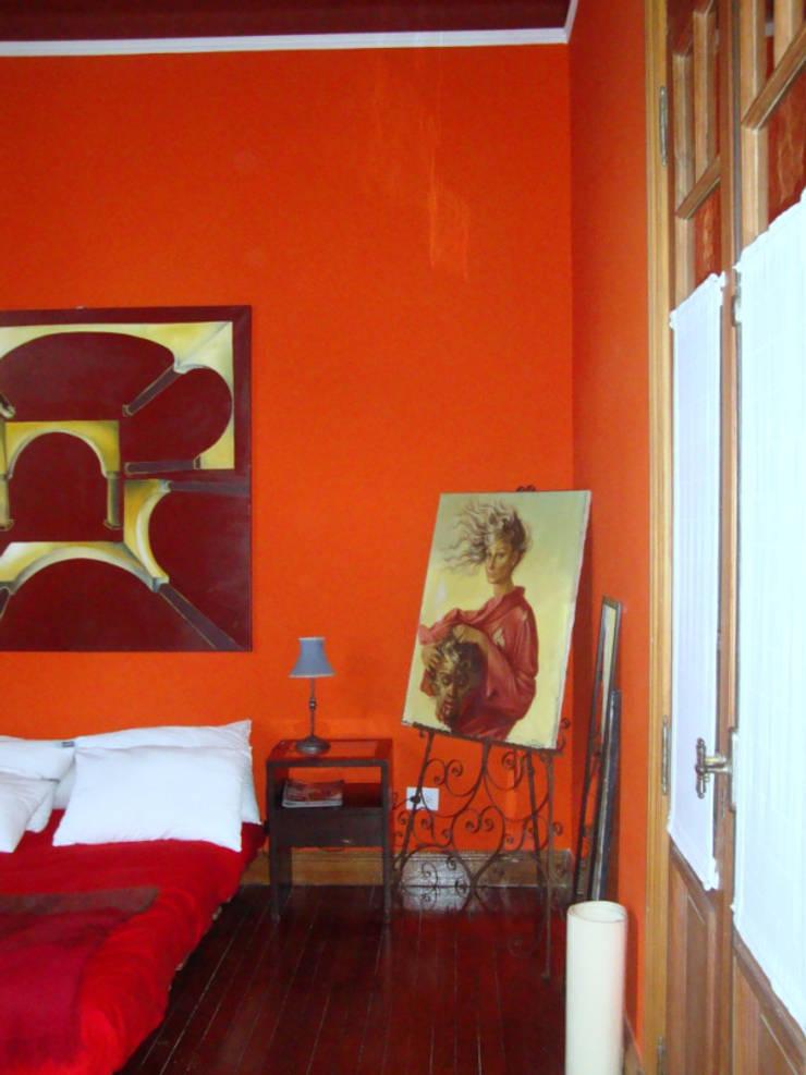 REMODELACION Y AMPLIACION PH EN PALERMO – BUENOS AIRES: Livings de estilo  por Arquitecta MORIELLO,