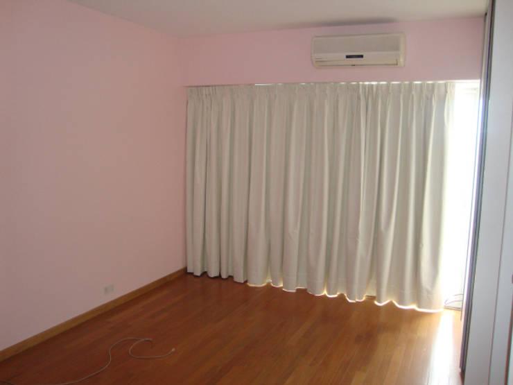 REMODELACION INTEGRAL DEPARTAMENTO TRIPLEX EN BELGRANO: Dormitorios de estilo  por Arquitecta MORIELLO