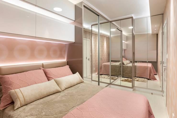 Projekty,  Sypialnia zaprojektowane przez ROBERTA FANTON ARQUITETURA INTEGRADA