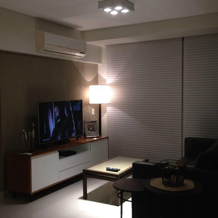 Diseño interior y Equipamiento departamento en Caballito: Livings de estilo  por CLAMOR CASA Y DECO
