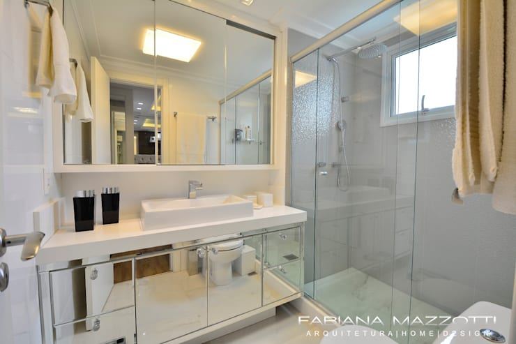 Baños de estilo  por Fabiana Mazzotti Arquitetura e Interiores