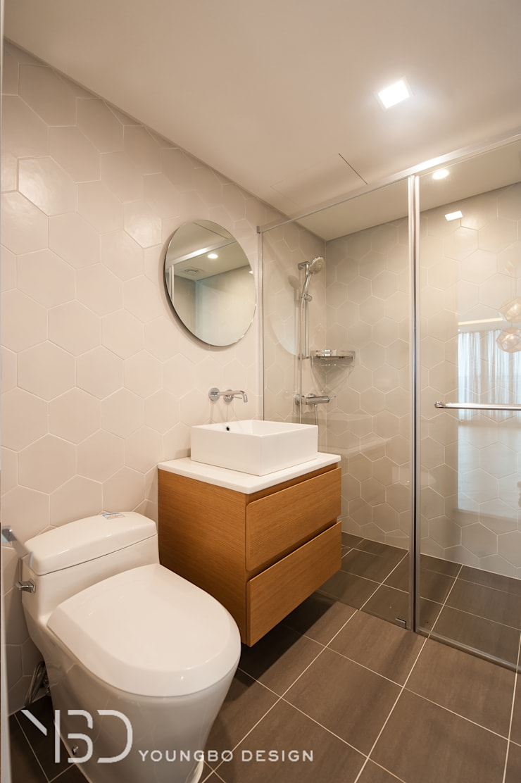 깔끔한 욕실: 영보디자인  YOUNGBO DESIGN의  욕실,모던 타일