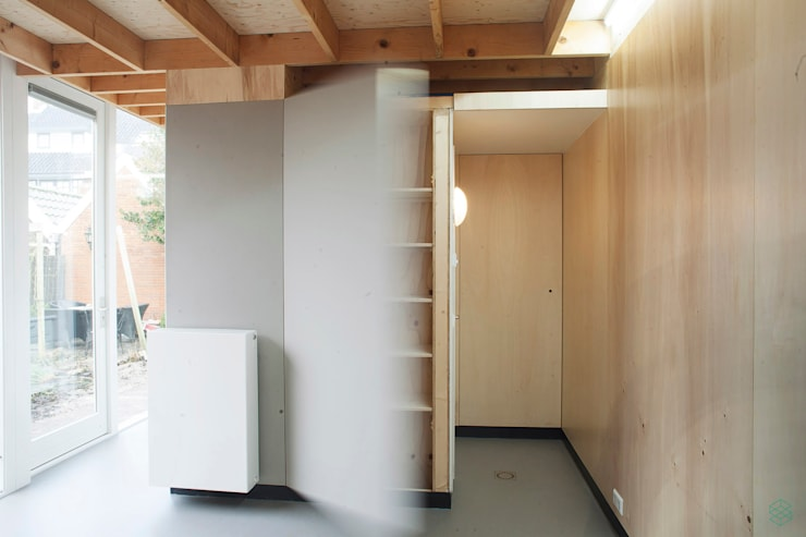 Tuinhuis Lisse:  Studeerkamer/kantoor door VAN SCHIE ARCHITECTEN, Modern