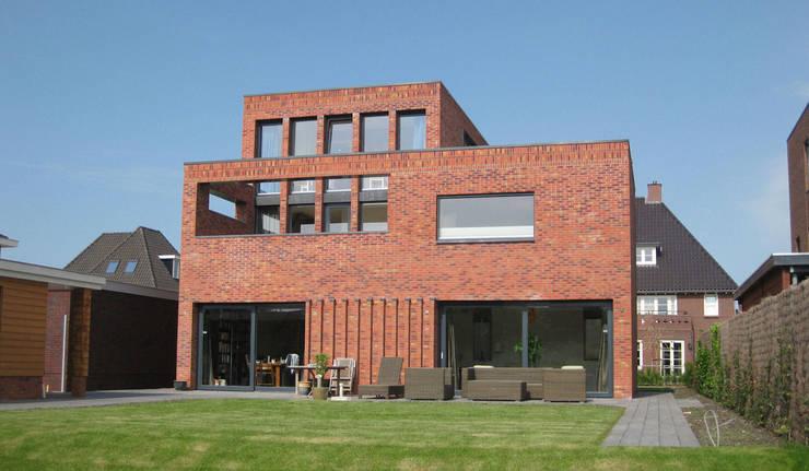 Woning Waterrijk Woerden:  Huizen door Architectenbureau van den Hoeven b.v.