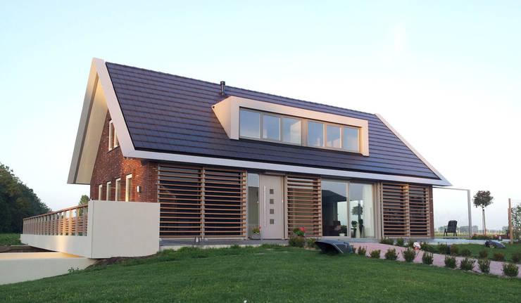 Woning Harmelen:  Huizen door Architectenbureau van den Hoeven b.v.