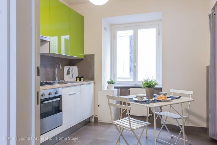 Appartamento BM: Cucina in stile  di Anna Leone Architetto Home Stager