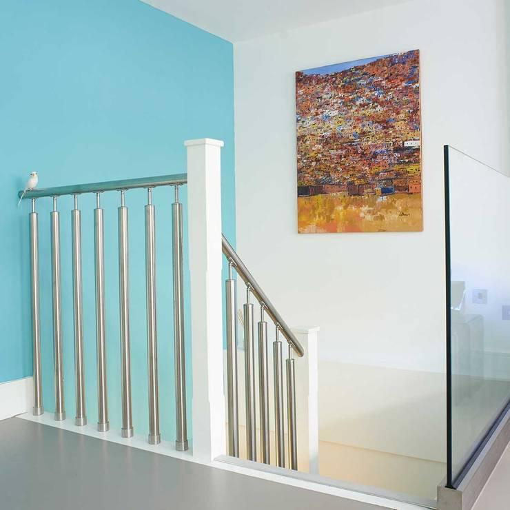Corridor & hallway by ESTHERRICO Design & Businness