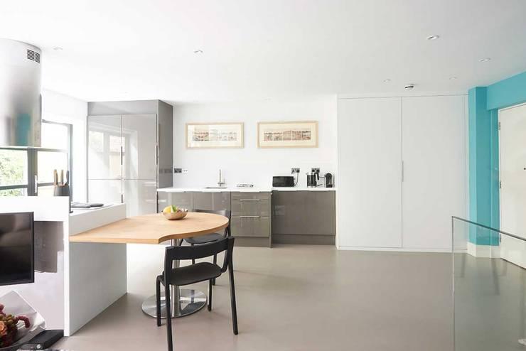 modern Kitchen by ESTHERRICO Design & Businness