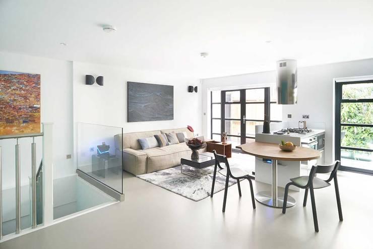 modern Living room by ESTHERRICO Design & Businness