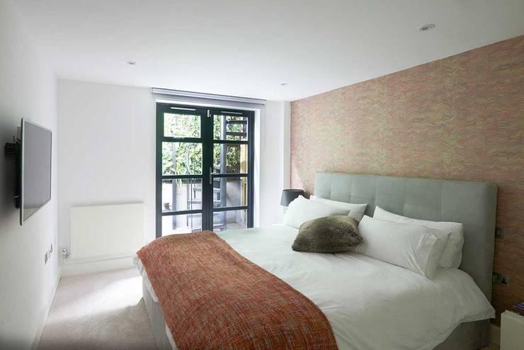 modern Bedroom by ESTHERRICO Design & Businness